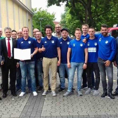 Theo Ferber + Erwin Esser + Vorstand + Spieler